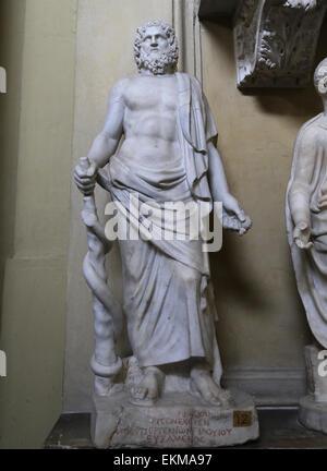 Asklepios mit Schlange umschlungen Personal. Gott der Medizin. Vatikanischen Museen. Chiaramonti. - Stockfoto