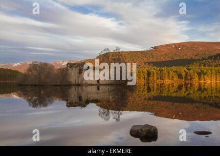 Burg am See ein Eilein, Rothiemurcus, Schottland - Stockfoto