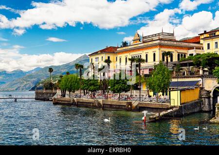 Seeufer Ansicht Mit Hotel Grand Hotel Villa Serbelloni Bellagio Comer See Italien Stockfotografie Alamy
