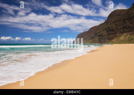 Hawaii, Kauai, Polihale Beach Park, mit Blick auf die Na Pali Coast - Stockfoto