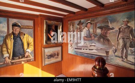 Berühmte Hollywood-Schauspieler John Wayne ist der Star des Kunstwerks, die an Bord seine Luxus-Yacht, die Wildgans, - Stockfoto