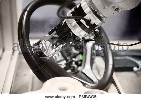 Roboterarm herunterreißen Lenkrad - Stockfoto