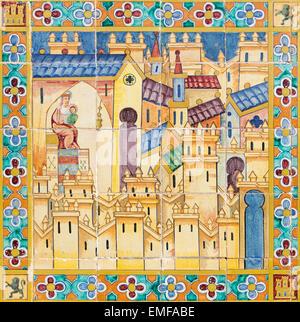 """Sevilla - Madonna in der mittelalterlichen Stadt. Das Detail von Tiled """"Provinz Nischen"""" entlang der Wände von der - Stockfoto"""