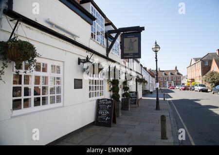 Außenaufnahme des Windmühle Pub in Stratford-upon-Avon, Warwickshire - Stockfoto