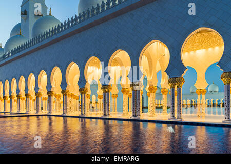 Sheikh Zayed Grand Moschee in Abu Dhabi - Stockfoto