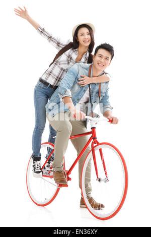 Der jungen Frau auf einer Radtour - Stockfoto