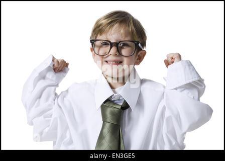 Kleiner Junge gekleidet als Führungskraft - Stockfoto