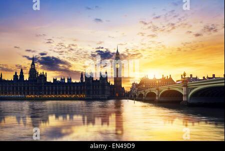 Big Ben und die Houses of Parlament in der Abenddämmerung, London, UK - Stockfoto