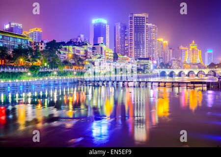 Guiyang, China Stadtbild am Fluss. - Stockfoto