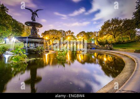 New York City, USA bei Bethesda Terrasse im Central Park. - Stockfoto