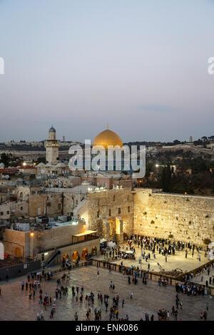 Blick über die Westmauer (Klagemauer) und die Kuppel des Rock-Moschee, UNESCO, Jerusalem, Israel, Nahost - Stockfoto