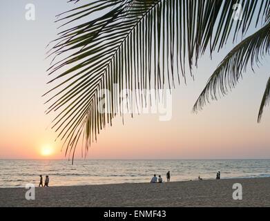 Agonda Strand in Goa in Indien bei Sonnenuntergang - Stockfoto