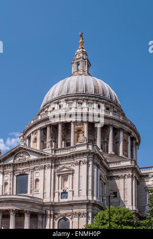 Kuppel der St. Pauls Kathedrale in London, England - Stockfoto