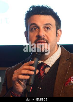 Lily Cole Gespräche auf dem Web-Gipfel während Restaurantkritiker Tom Parker Bowles & Mann V Essen host Adam Richman sprechen auf dem Gipfel von Essen, RDS-Featuring: Adam Richman Where: Dublin, Irland: 5. November 2014 Stockfoto