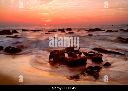Sonnenuntergang Nachleuchten bei Cola Beach, Canacona, Goa, Indien - Stockfoto