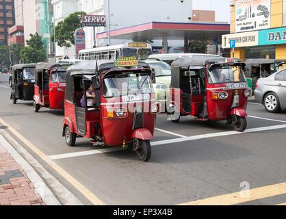Tuk Tuks motorisierter Rikscha Dreirad Taxi Fahrzeuge, Colombo, Sri Lanka, Asien - Stockfoto
