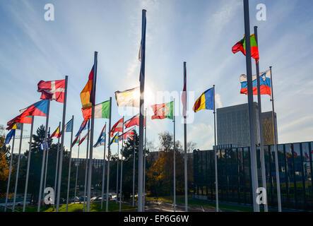 Flaggen der Länder der Europäischen Union an der Europäischen Kommission, Europaviertel, Luxemburg - Stockfoto