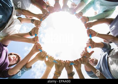 Team verbundenen Kreis Kunststoff hoop - Stockfoto