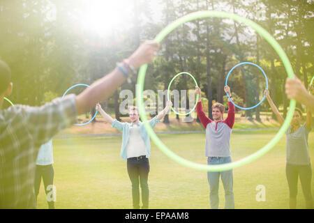 Gruppe verbundenen Kreis Kunststoff hoop - Stockfoto