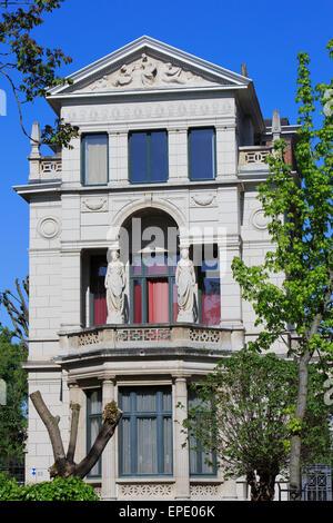 """Detail des klassizistischen Herrenhaus aus dem Jahr 1904 ist Teil der """"The Temple""""-Komplex an Zurenborg in Antwerpen, - Stockfoto"""