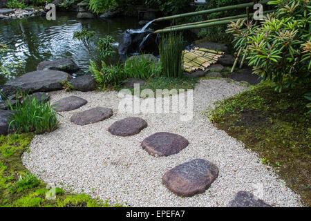 Wasser gilt als reinigend in Japan, daher die Betonung auf Sauberkeit im Alltag. Wasser Brunnen wie diese, bekannten - Stockfoto