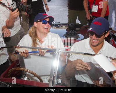Modelle Jodie Kidd und David Gandy in Piazza Vittoria für den Beginn der klassischen italienischen Straße Rennen - Stockfoto