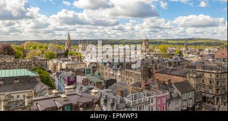 Antenne auf ansehen High Street und Christ Church College von St Mary die Jungfrau, Oxford, England, UK - Stockfoto
