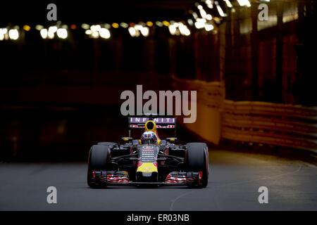 Monte Carlo, Monaco. 23. Mai 2015. DANIEL RICCIARDO Australiens und Infiniti Red Bull Racing fährt während des Qualifyings die 2015 Formel 1 Grand Prix von Monaco. © James Gasperotti/ZUMA Draht/Alamy Live-Nachrichten