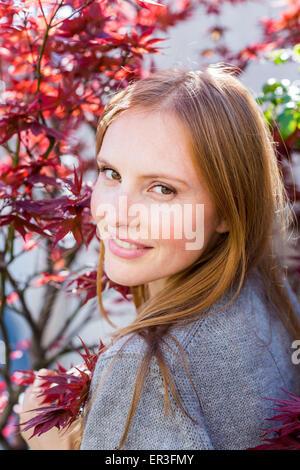 Porträt einer jungen Frau. - Stockfoto