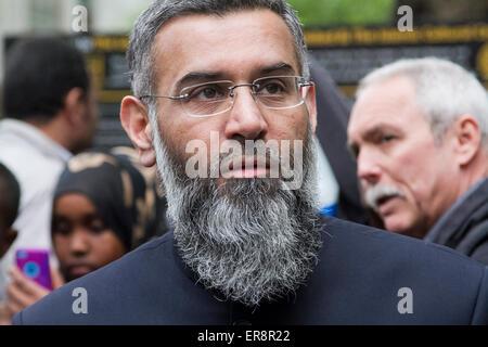 London UK. 29. Mai 2015. Radikale muslimische Prediger Anjem Choudary und seinen Anhängern sprach sich nach dem - Stockfoto