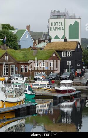 Der Hafen von Torshavn auf den Färöer Inseln - Stockfoto