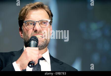 Dortmunds Trainer Juergen Klopp Grimacesmduring seiner Kost gut Rede im Rahmen eines Empfangs in Berlin, Deutschland, - Stockfoto