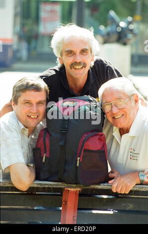 Frank Shortland Senior (rechts) mit Söhnen Mick (links) und Frank Junior bereit für ihre Ben Nevis Aufstieg zur - Stockfoto