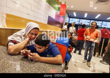 Indien, Inder, Asiaten, Mumbai, Lower Parel, High Street Phoenix, Mall Arcade, Interieur, Restaurant Restaurants - Stockfoto