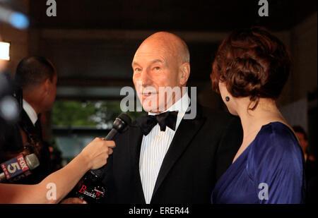 Schauspieler Patrick Stewart besucht 2010 Opening Night Gala von der Metropolitan Opera Neuproduktion von Wagners - Stockfoto