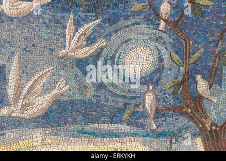 Mosaik Fliesen Hintergrund. Mosaik-Wand im modernen Stil. - Stockfoto