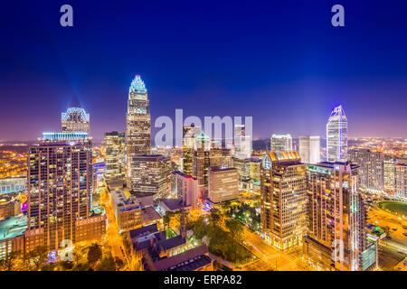 Charlotte, North Carolina, USA uptown Skyline bei Nacht. - Stockfoto