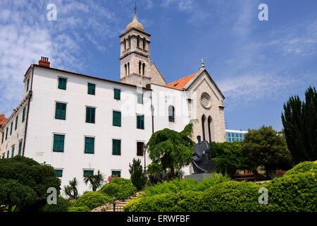 Kirche des Heiligen Franziskus in Sibenik an der dalmatinischen Küste von Kroatien - Stockfoto