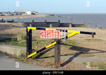 Kein Auto Zugang zum Strand-Schild Stockfoto, Bild: 25647723 - Alamy