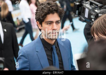 London, UK. 9. Juni 2015. Adrian Grenier trifft Fans bei der Londoner Premiere von der Entourage-Film am Leicester - Stockfoto