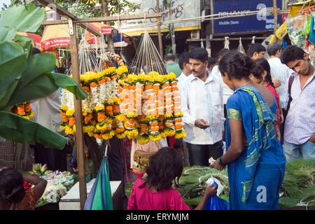 Blumenmarkt am Dadar Mumbai Maharashtra Indien Asien - Stockfoto