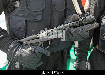 Marcos Kommandos Bullet Proof Jacke tragen; Bombay Mumbai; Maharashtra; Indien - Stockfoto
