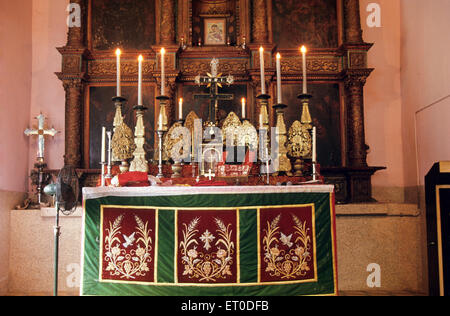 Altar in der Allerheiligenkirche; Connor; Nilgiris; Tamil Nadu; Indien - Stockfoto