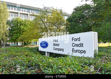 Bürogebäude der Ford Motor Company und Ford Credit Europe an Warley Brentwood Essex England Großbritannien - Stockfoto