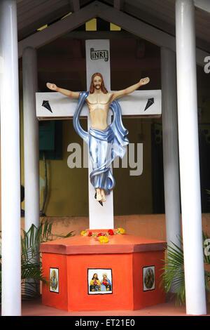 Gott Jesus Christus am Kreuz; Koliwada; Manori Marve Marg; Malad; Bombay Mumbai; Maharashtra; Indien 18. September 2009