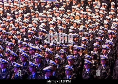 Vereidigung von 1500 neue Polizisten in die in Dortmund, waren über 6000 Familie Mitglieder und Freunde die Zeremonie - Stockfoto