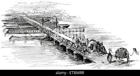 """Überquerung der Suez-Kanal, 30 Meilen von Port Said, Ägypten, """"Klassische Portfolio der primitiven Carrier"""" von - Stockfoto"""