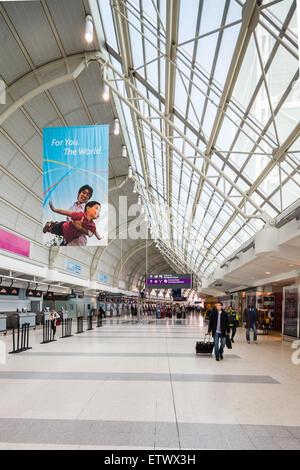 Pearson International Terminal 3 Toronto, Kanada - Stockfoto