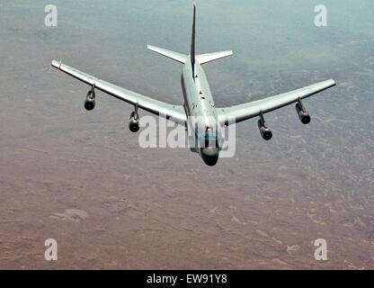 11. Oktober 2013 - USAF RC-135. Das RC-135V/W Rivet Joint-Aufklärungsflugzeug unterstützt Theater und nationaler - Stockfoto