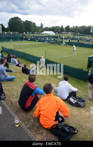 Wimbledon, London, UK. 22. Juni 2015. Bank of England Sport erdet Roehampton London England 22. Juni 2015. Die Zuschauer - Stockfoto